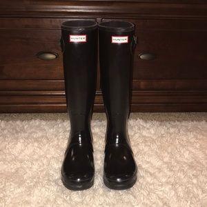 Hunter Boots: Tall, Shiny, Black